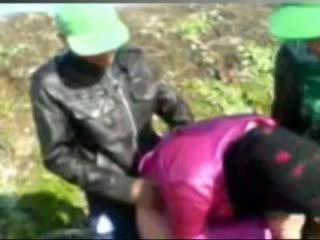 热 埃及的 女孩 性交 由 tow man's 在 农场