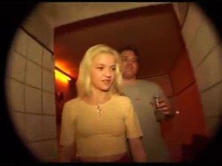 Schnuckel bea gets מזוין ב the תחת ב kit kat מועדון berlin