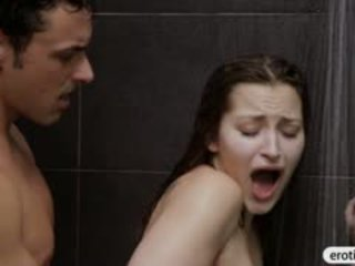Kaakit-akit beyb dani daniels blowjobs at fucked sa ang banyo