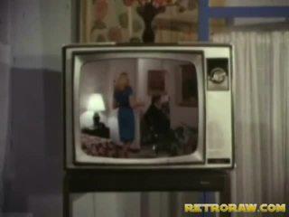 Retro fernseher zeigen trio