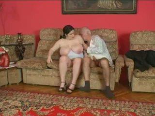 Lubben kvinne og eldre mann