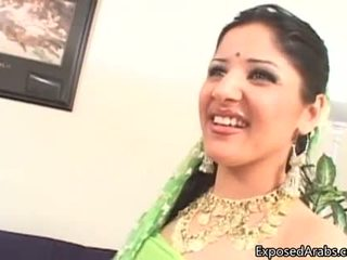 Coquin arab pute gets son chatte licked