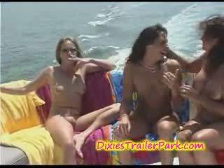 loď, lesbička, milf