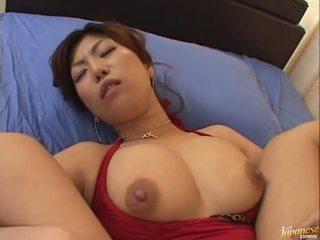 Veľký boobed ázijské naho hazuki gets ju kurvička licking