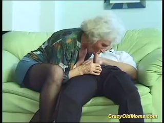 Tettona mamma needs un forte cazzo