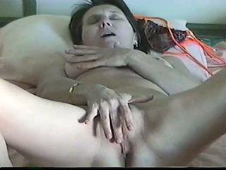 Réel milf masturbation avec grand jouet avec réel orgasme