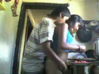 印度人 studens backdoor 性别 在 该 厨房