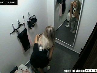 Fönstertittare fin blondin fitting underkläder