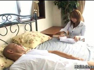 Sleazy Pussy Kaede Ohshiro Gives Astonishing