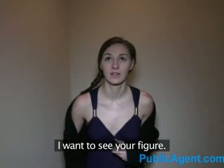 Publicagent tynn brunette pounded av en stor tjekkisk kuk - porno video 741