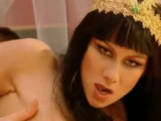 Julia taylor cleopatra 視頻