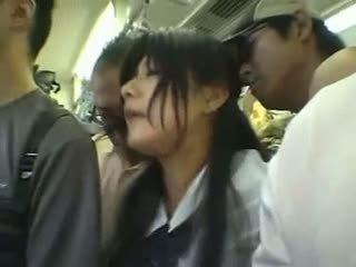 Malu gadis gangbanged dalam yang awam keretapi