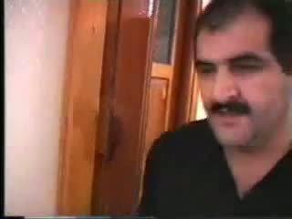 Plaukuotas arab gets jo būdas