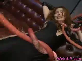 समूह सेक्स, बड़े स्तन, बच्चा