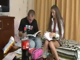 Venäläinen pari penetrate jälkeen koulu