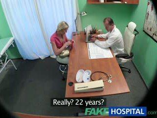 Fakehospital स्लिम बेब wants सेक्स साथ डॉक्टर
