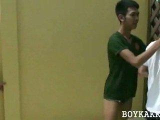 Tailandietiškas jaunas gėjus dulkinimasis 3se