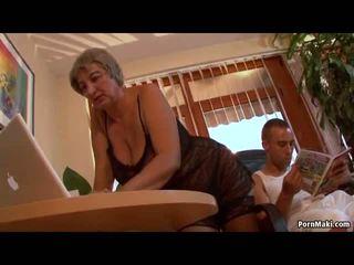 Krūtainas vecmāmiņa wants jauns loceklis, bezmaksas pieauguša porno video f0