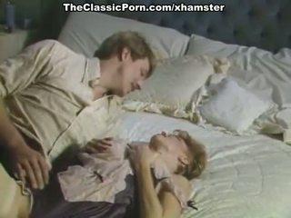 Iso kukko inda karvainen pillua sisään porno retro elokuva