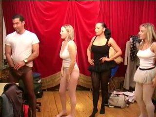 Stoking sebelum itu ballet