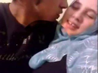 Amatérske dubai nadržané hijab dievča fucked na domáce - desiscandal.xyz