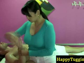 Real Asian Masseuse Welcomes Customer