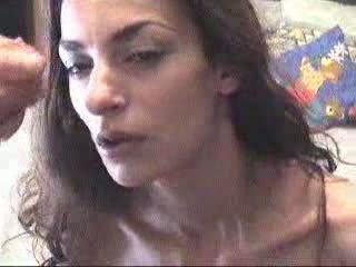 Grieks meisje receives een facial video-