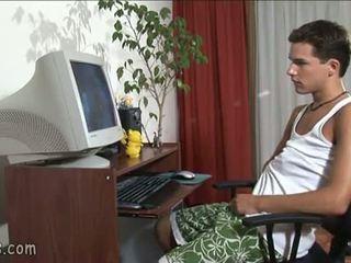 B-y การแอบดู เกย์ วีดีโอ และ stroking ปิด