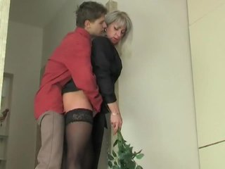 Mom aku wis dhemen jancok slut seduces young boy