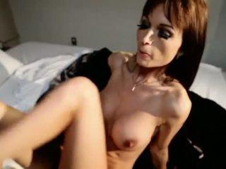 PlayBoy: Playboy milf rubs her pussy