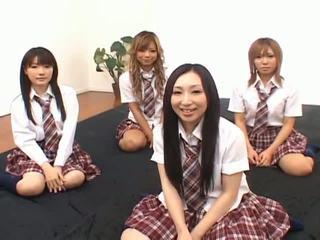 Japonais v modèles avoir amusement avec an orgie