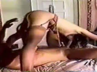 A クラシック で ベッド セックス とともに a 男 と 女性