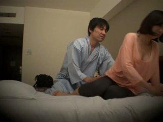 Subtitled japanilainen hotellin hieronta suullinen seksi nanpa sisään hd <span class=duration>- 5 min</span>