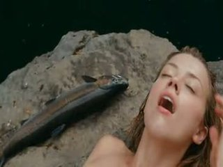 Amber Heard Naked Swimming