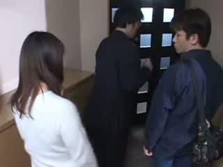 日本語 ママ キャッチ 彼女の husbands masturbate ビデオ