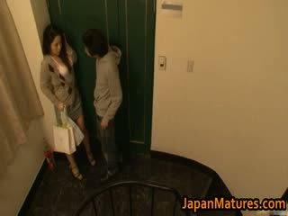 Ayane asakura moshë e pjekur aziatike model has seks