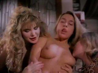 שרמוטה חמה עם ציצים ענקיים, בחור עם זין ענק, really huge boobs porn
