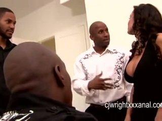 Lisa ann - dame milf gangbanged av blacks guy