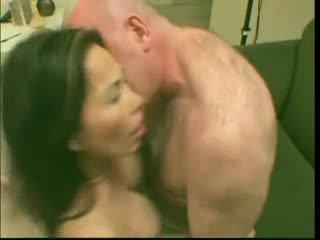 セクシー 成熟した ふしだらな女 アジアの lai loves それ で 深い
