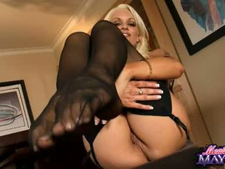 Monica MayhEm Acquires Her Hands Busy Working On Her Trickling Hot Pussy