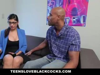 Mia khalifa fucks besar hitam zakar/batang