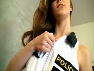 Dangerous 警察 女人