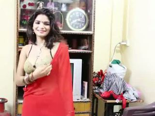 Desi milf's 胸部 fondled 真 硬 由 salesman ## hindi 热 短 电影