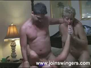 Moshë e pjekur grup swingers intimacies
