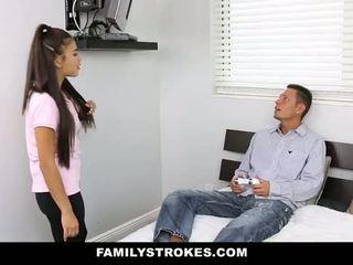 Familystrokes - мій stepsister трахкав мій тато і я