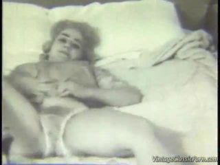 Retro makuuhuone striptease