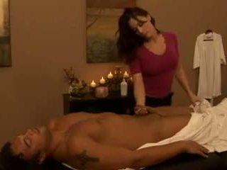 該 masseuse 2: 免費 成熟 色情 視頻 41