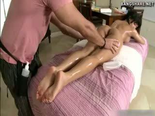 Підліток abella anderson скаче пеніс