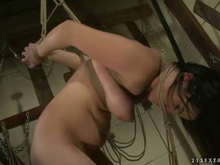 Young msitress dominating slavegirl