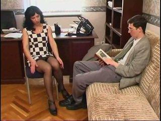Longo legged russa milf em meia e um guy